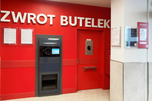 Automat na kaucjonowane butelki w Kauflandzie w Lesznie, fot. mat. pras.