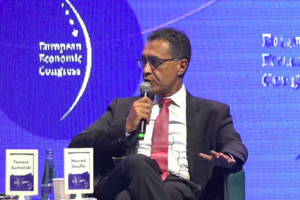 Mourad Taoufiki, dyrektor generalny Amazon.pl podczas EEC. Fot. PTWP