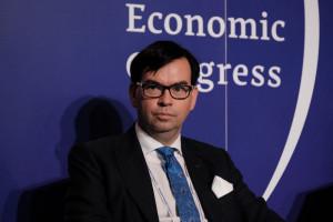 EEC: Czy konsument będzie miał z czego dopłacić do żywności bio? Adam Mokrysz, prezes Mokate, podczas debaty Biznes spożywczy na drodze zrównoważonego rozwoju; fot. PTWP