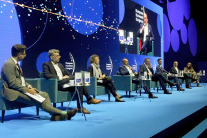 Uczestnicy debaty Handel ery cyfrowej. Zrównoważony e-handel, fot. PTWP