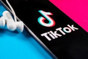 Od zeszłego roku TikTok odnotował wzrost użytkowników o 45 proc., fot. Shutterstock
