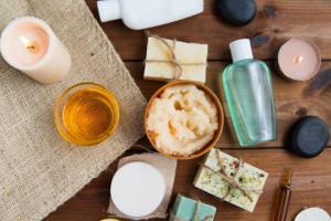 Coraz więcej Polaków sięga po kosmetyki naturalne. Fot. Shutterstock