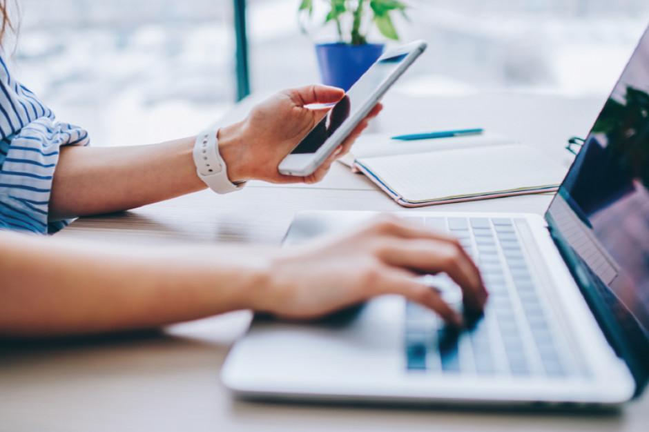 70 proc. kupujących przez internet płaci za zakupy szybkim przelewem
