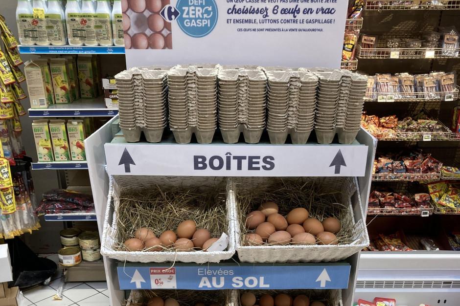 Carrefour sprzedaje jaja luzem, aby ograniczyć marnowanie jedzenia