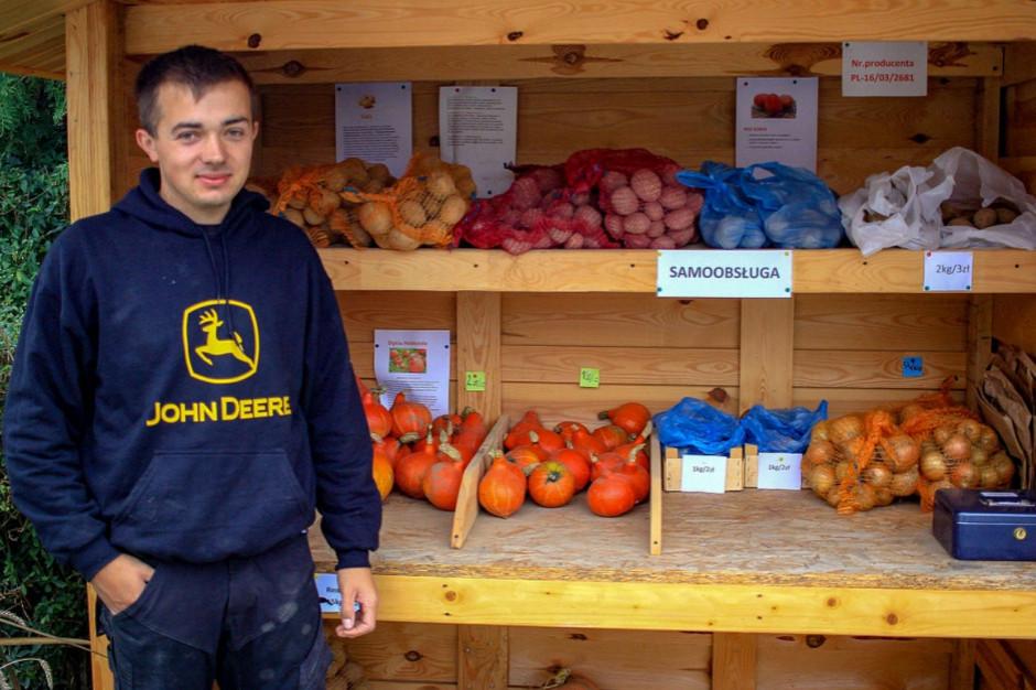 Rolnik założył samoobsługowy warzywniak
