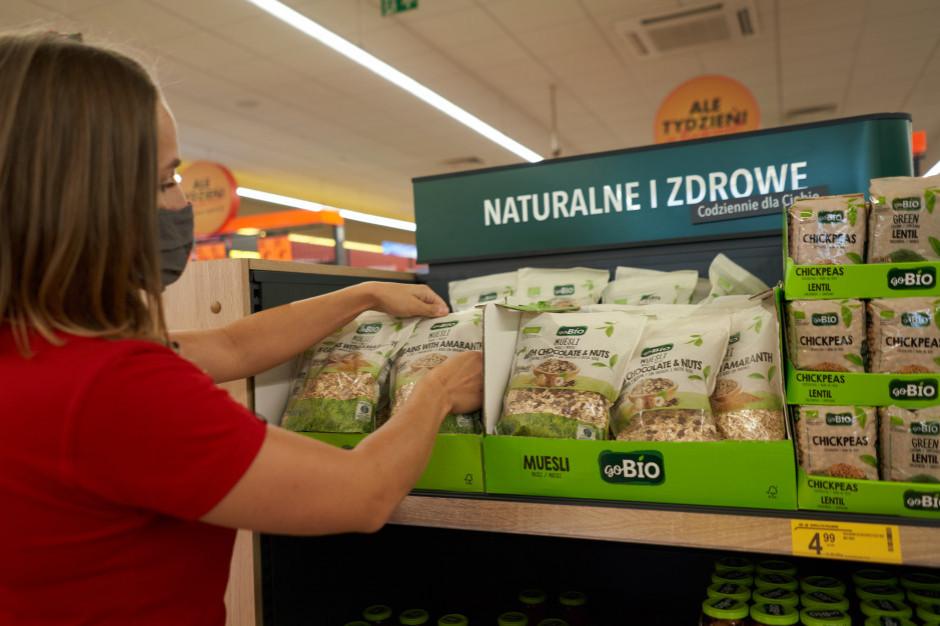 Pracownicy Biedronki w małych miastach chcą warszawskich pensji