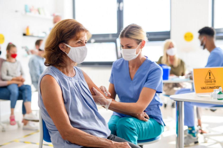 Jest projekt ustawy pozwalającej pracodawcy sprawdzić, czy pracownik jest zaszczepiony