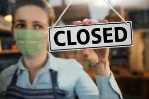 Zwolnienia w sklepach Tesco, fot. shutterstock