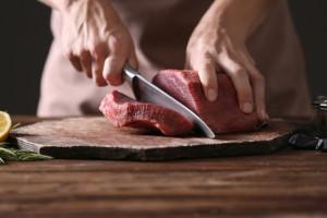 Sieci handlowe odmawiają przyjmowania wieprzowiny? Kontrole w Biedronce i Dino