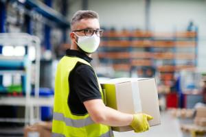 Polacy przeszli z umowy zlecenia lub o dzieło na umowę o pracę, fot. Shutterstock