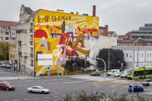 Mural Moliera2.com w centrum Poznania