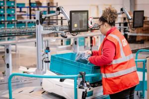 Zaawansowany technologicznie obiekt będzie wykorzystywał roboty współpracujące, aby przyspieszyć czas realizacji zamówień. Fot. materiały prasowe